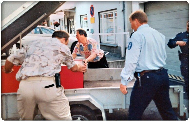 Poliisi takavarikoi Golden Shot -peliautomaatit 1995